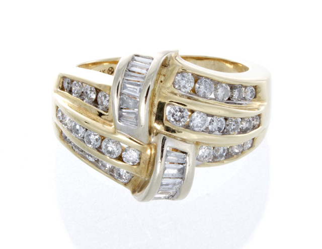 14K Yellow Gold Diamond Fashion Estate Ring image 2