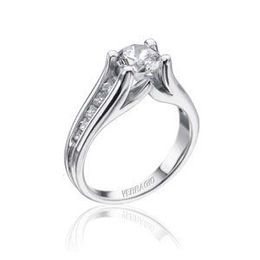 Elegant Classico Collection Ring