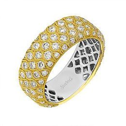Beautiful Simon G Diamond Band in 18k Gold