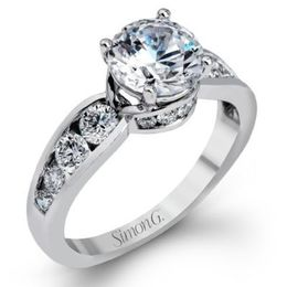 Sparkling Simon G. Diamond Engagement Ring
