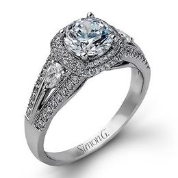 Gorgeous 18K White Gold Simon G Engagement Ring