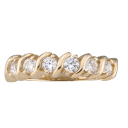 Yellow gold Mothers Ring style 33 with 6 Stones