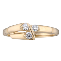 Yellow gold Mothers Ring style 160 with 3 Stones