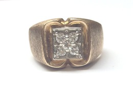 10K Yellow Gold Gents Diamond Ring image 2