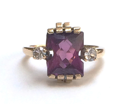 10K Yellow Gold Synthetic Pink Stone Ring image 2