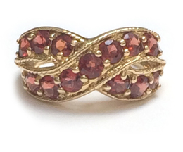 10K Yellow Gold Garnet Ring image 2